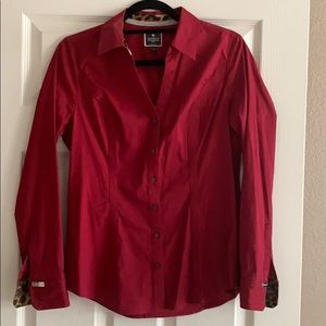 Long sleeve maroon button front shirt